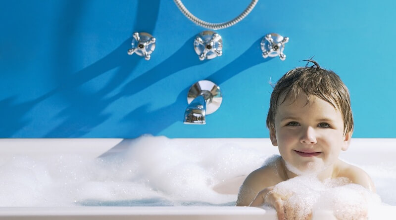 8 tips on choosing shower heads that make your kids love for Childrens shower head